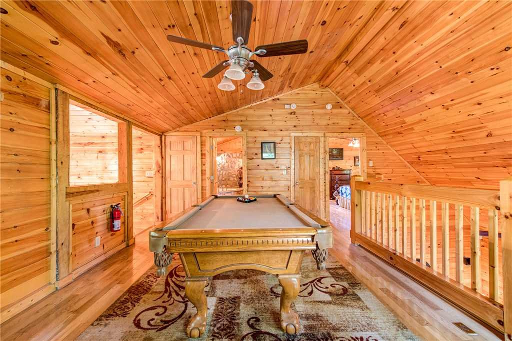 Photo of a Pigeon Forge Cabin named Splashing Sunrise - This is the tenth photo in the set.