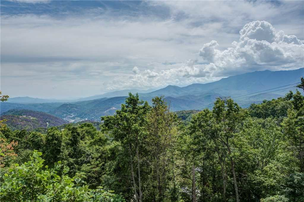 Photo of a Gatlinburg Cabin named Smoky Mountain View - This is the twentieth photo in the set.