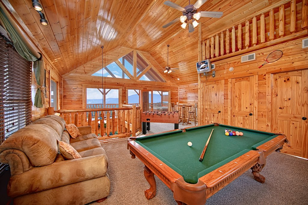 Photo of a Pigeon Forge Cabin named Smoky Sunrise (#53) - This is the third photo in the set.