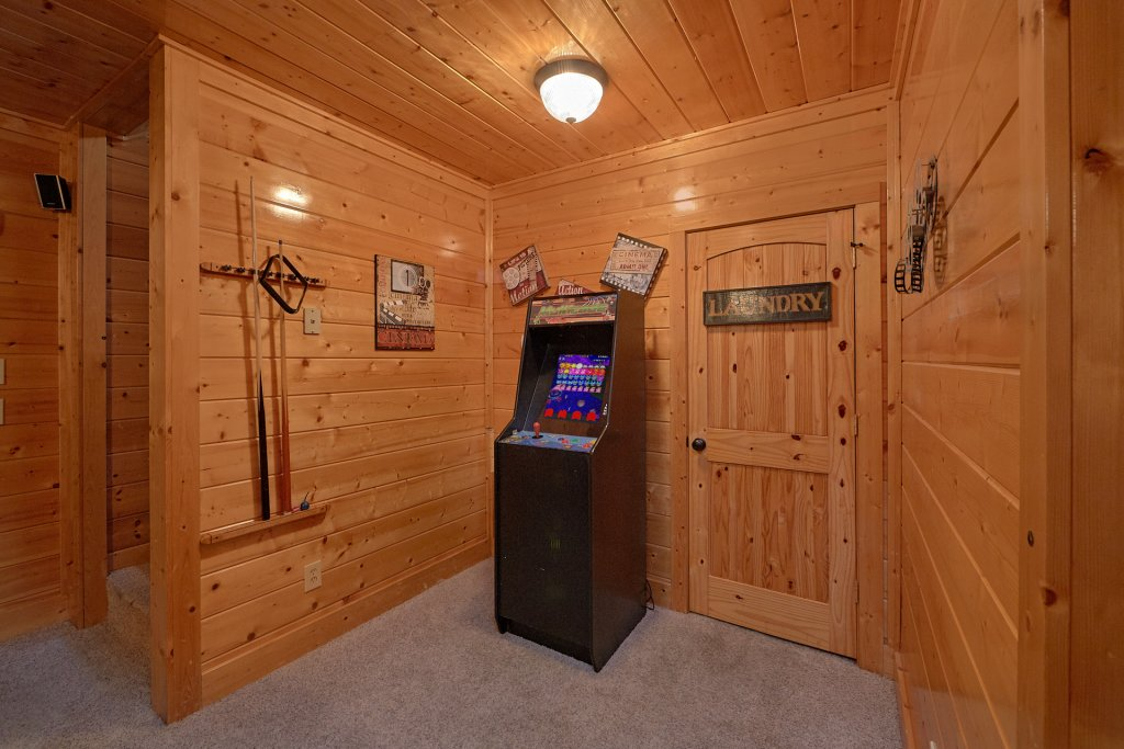 Photo of a Pigeon Forge Cabin named Mountain Dreams (#104) - This is the fourth photo in the set.