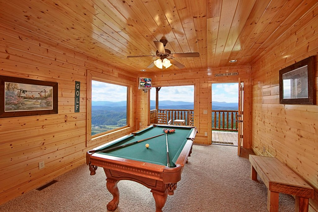 Photo of a Pigeon Forge Cabin named Shooting Star (#73) - This is the fourth photo in the set.