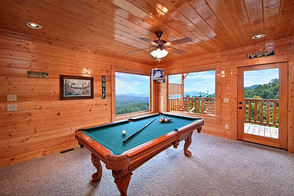 Photo of a Pigeon Forge Cabin named Summit Views (#74) - This is the third photo in the set.