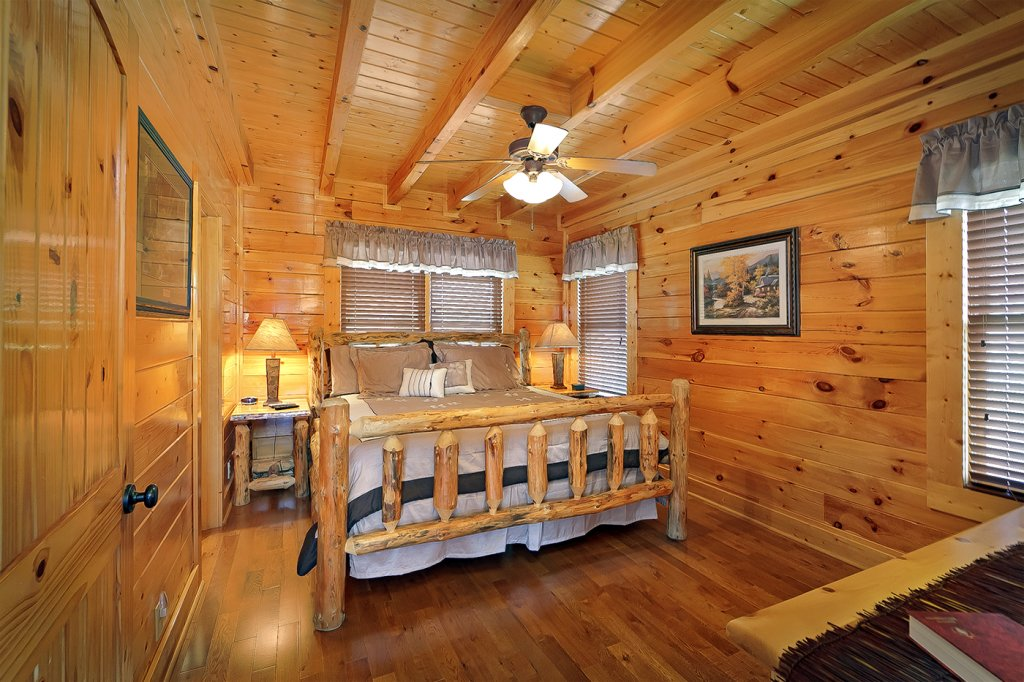 Photo of a Pigeon Forge Cabin named A Glimpse Of Heaven - This is the sixth photo in the set.