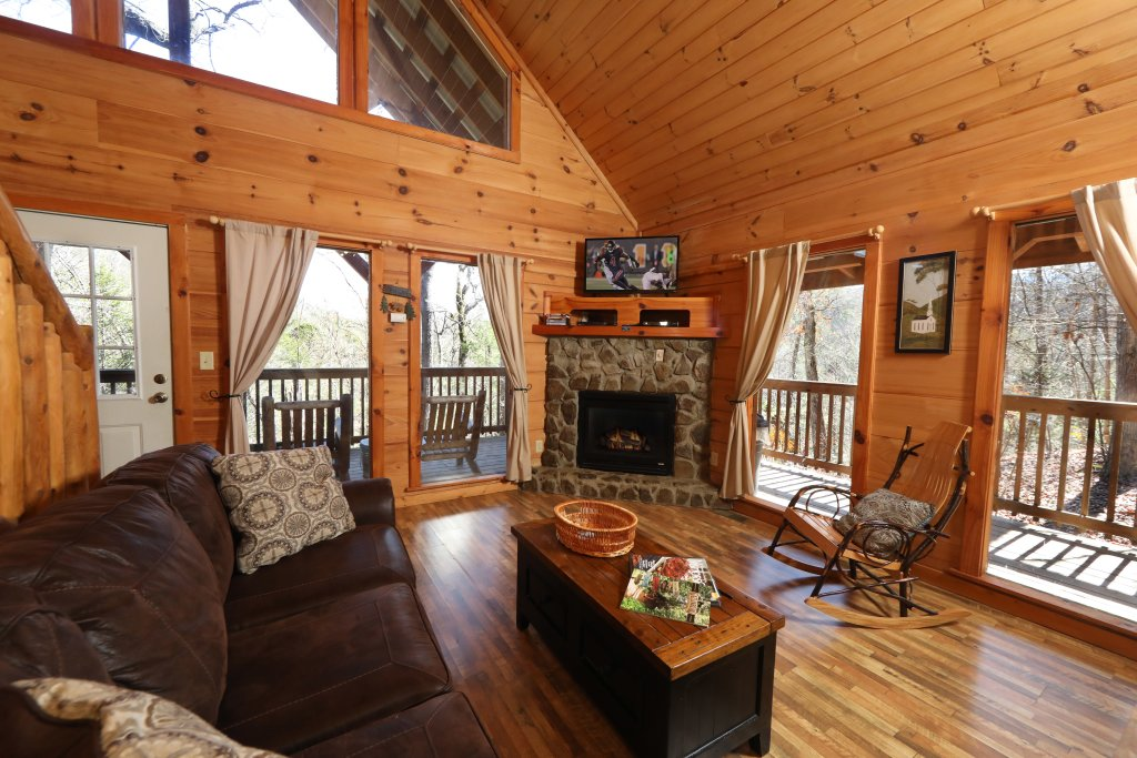 Photo of a Pigeon Forge Cabin named Above The Falls #144 - This is the third photo in the set.