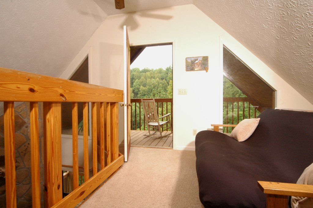 Photo of a Gatlinburg Cabin named Fox Run Escape #1140 - This is the thirty-third photo in the set.