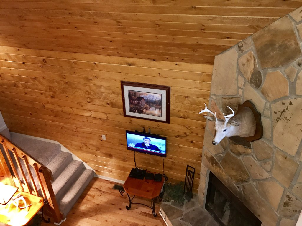 Photo of a Gatlinburg Cabin named Fox Run Escape #1140 - This is the thirty-eighth photo in the set.
