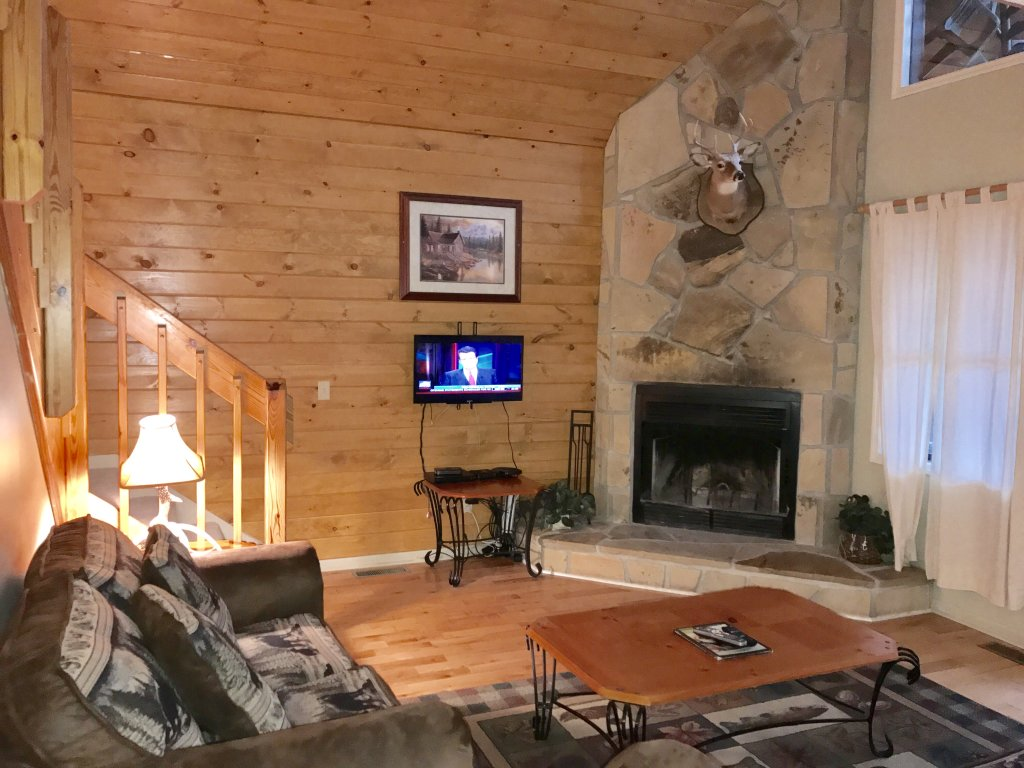 Photo of a Gatlinburg Cabin named Fox Run Escape #1140 - This is the forty-first photo in the set.