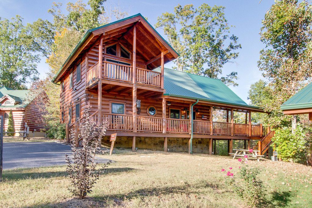 Photo of a Pigeon Forge Cabin named Bear Tracks - This is the fiftieth photo in the set.