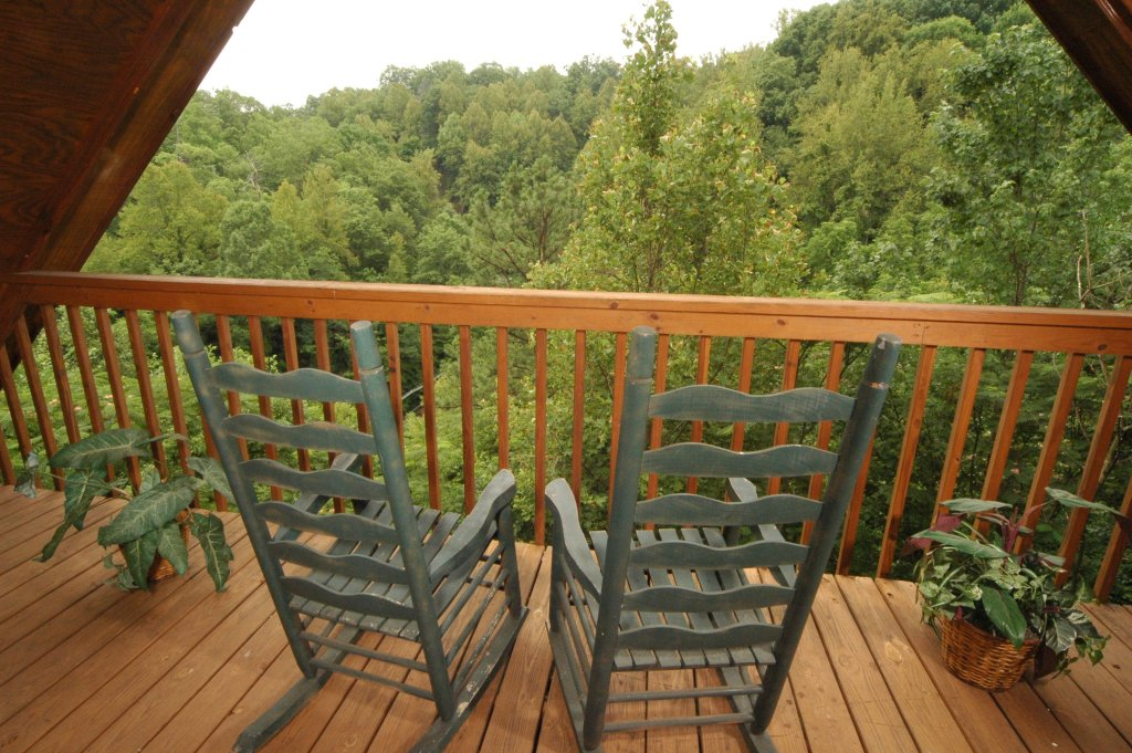 Photo of a Gatlinburg Cabin named Fox Run Escape #1140 - This is the forty-third photo in the set.