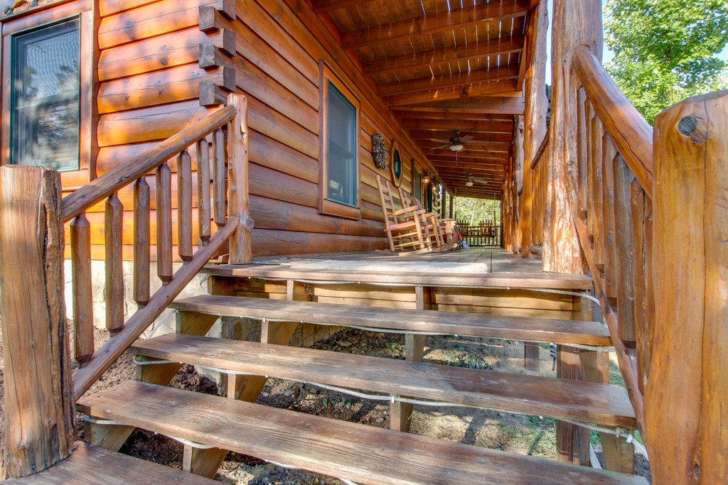 Photo of a Pigeon Forge Cabin named Bear Tracks - This is the forty-third photo in the set.