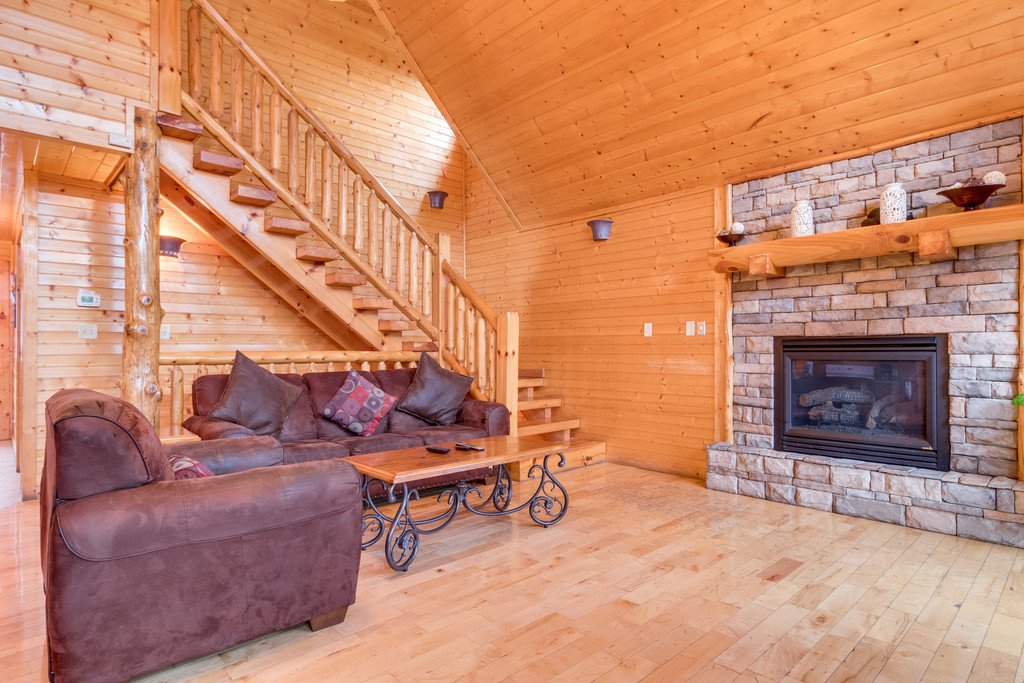 Photo of a Gatlinburg Cabin named Star Gazer At Hemlock Hills - This is the fourth photo in the set.