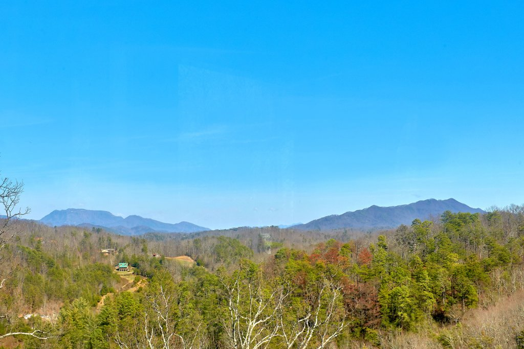 Photo of a Gatlinburg Cabin named Smoky Mountain Serenity - This is the first photo in the set.