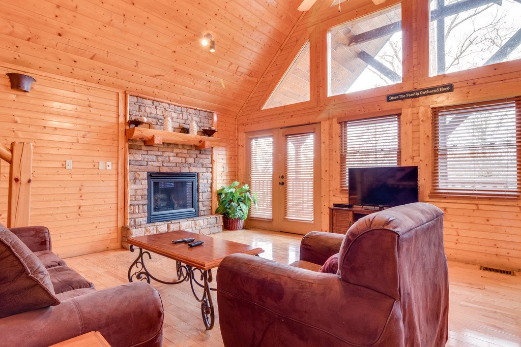 Photo of a Gatlinburg Cabin named Star Gazer At Hemlock Hills - This is the second photo in the set.