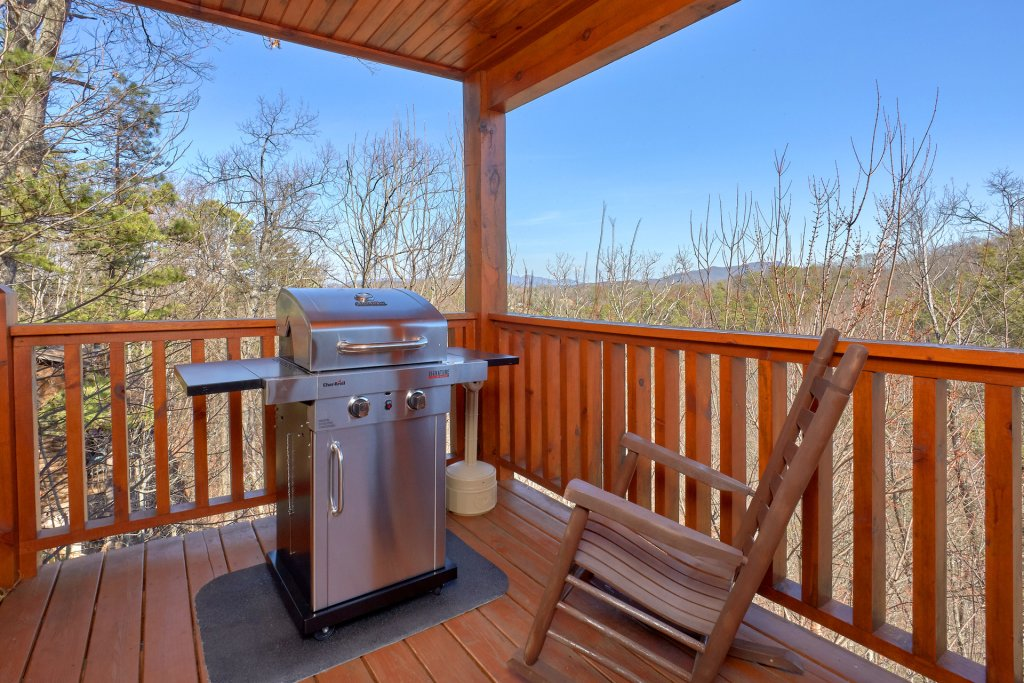 Photo of a Gatlinburg Cabin named Smoky Mountain Serenity - This is the thirty-second photo in the set.