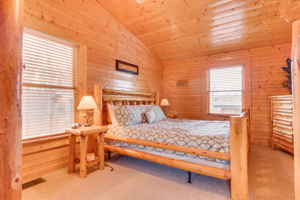 Photo of a Gatlinburg Cabin named Star Gazer At Hemlock Hills - This is the twenty-first photo in the set.