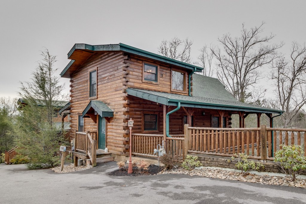 Photo of a Gatlinburg Cabin named Star Gazer At Hemlock Hills - This is the forty-eighth photo in the set.