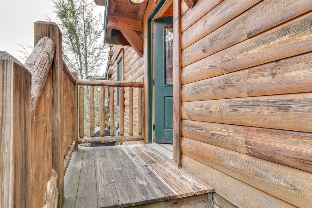 Photo of a Gatlinburg Cabin named Star Gazer At Hemlock Hills - This is the forty-third photo in the set.