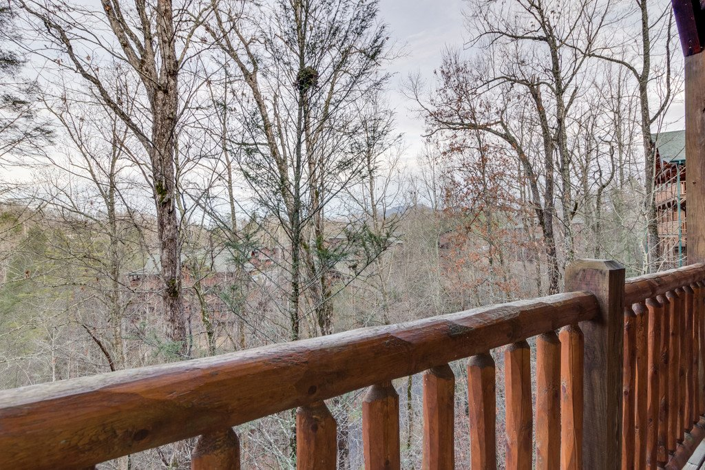 Photo of a Gatlinburg Cabin named Star Gazer At Hemlock Hills - This is the thirty-fifth photo in the set.