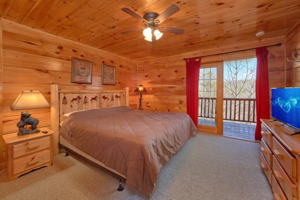 Photo of a Gatlinburg Cabin named Smoky Mountain Serenity - This is the forty-eighth photo in the set.