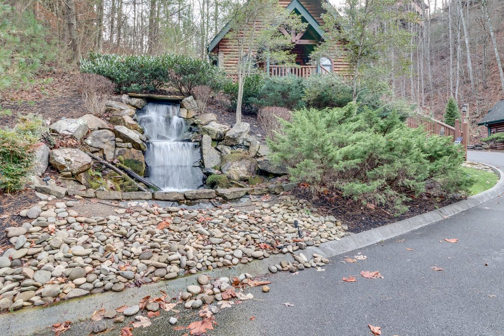 Photo of a Gatlinburg Cabin named Star Gazer At Hemlock Hills - This is the fifty-third photo in the set.