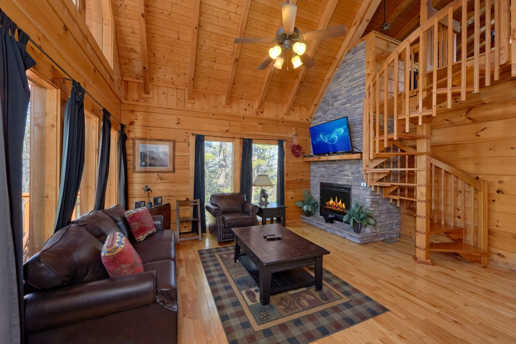 Photo of a Gatlinburg Cabin named Smoky Mountain Serenity - This is the thirty-fifth photo in the set.