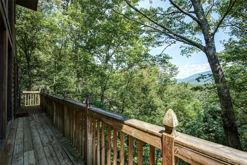 Photo of a Gatlinburg Cabin named Scenic Vista - This is the twenty-seventh photo in the set.