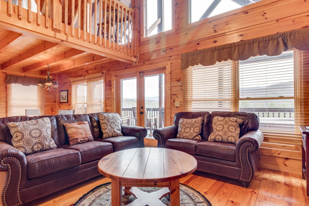 Photo of a Pigeon Forge Cabin named Lap Of Luxury - This is the fifth photo in the set.