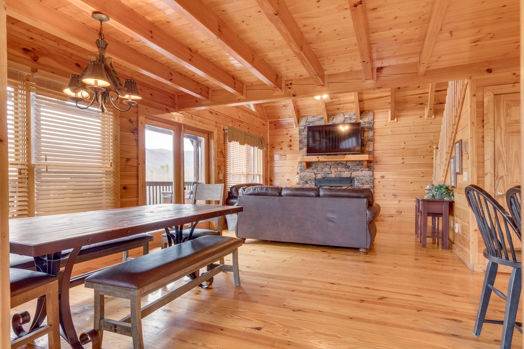 Photo of a Pigeon Forge Cabin named Lap Of Luxury - This is the sixth photo in the set.