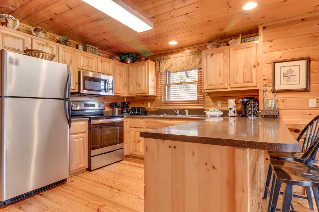Photo of a Pigeon Forge Cabin named Lap Of Luxury - This is the tenth photo in the set.