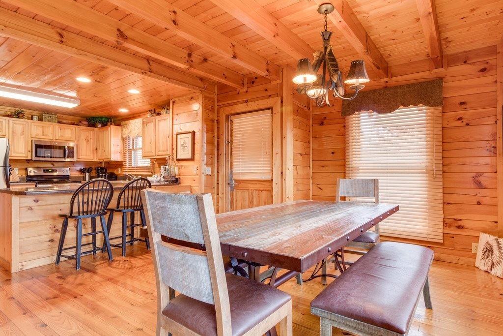 Photo of a Pigeon Forge Cabin named Lap Of Luxury - This is the eighth photo in the set.