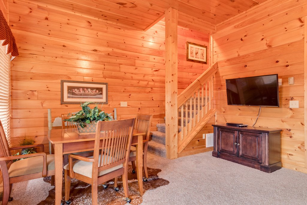 Photo of a Pigeon Forge Cabin named Lap Of Luxury - This is the twenty-third photo in the set.