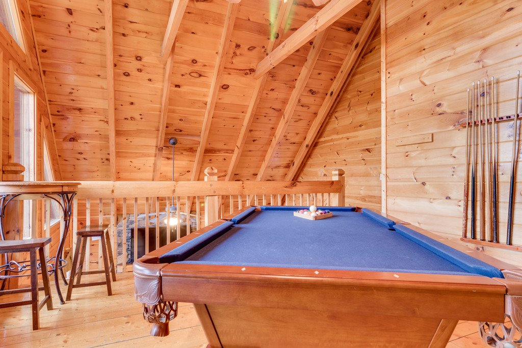 Photo of a Pigeon Forge Cabin named Lap Of Luxury - This is the seventeenth photo in the set.