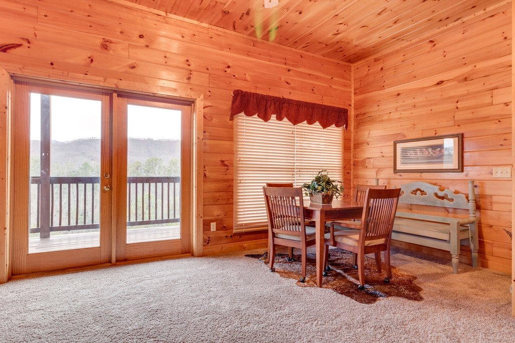 Photo of a Pigeon Forge Cabin named Lap Of Luxury - This is the twenty-fourth photo in the set.