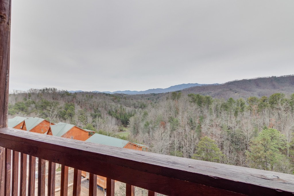 Photo of a Pigeon Forge Cabin named Lap Of Luxury - This is the forty-ninth photo in the set.