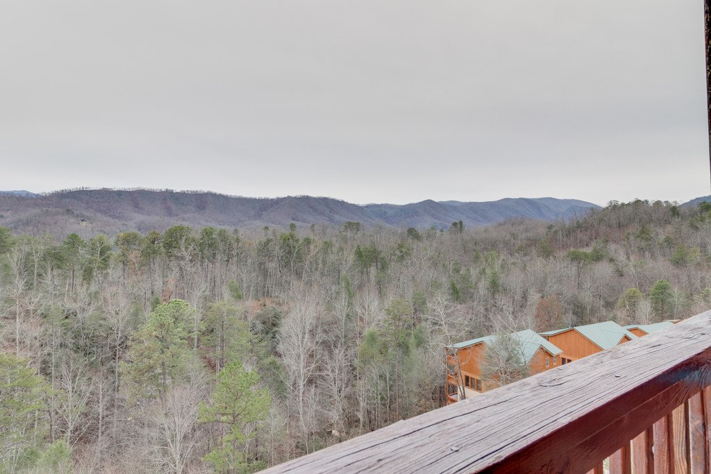 Photo of a Pigeon Forge Cabin named Lap Of Luxury - This is the fiftieth photo in the set.