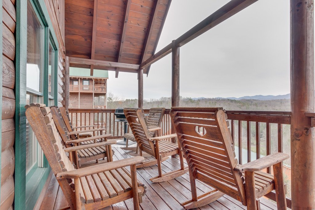 Photo of a Pigeon Forge Cabin named Lap Of Luxury - This is the forty-third photo in the set.