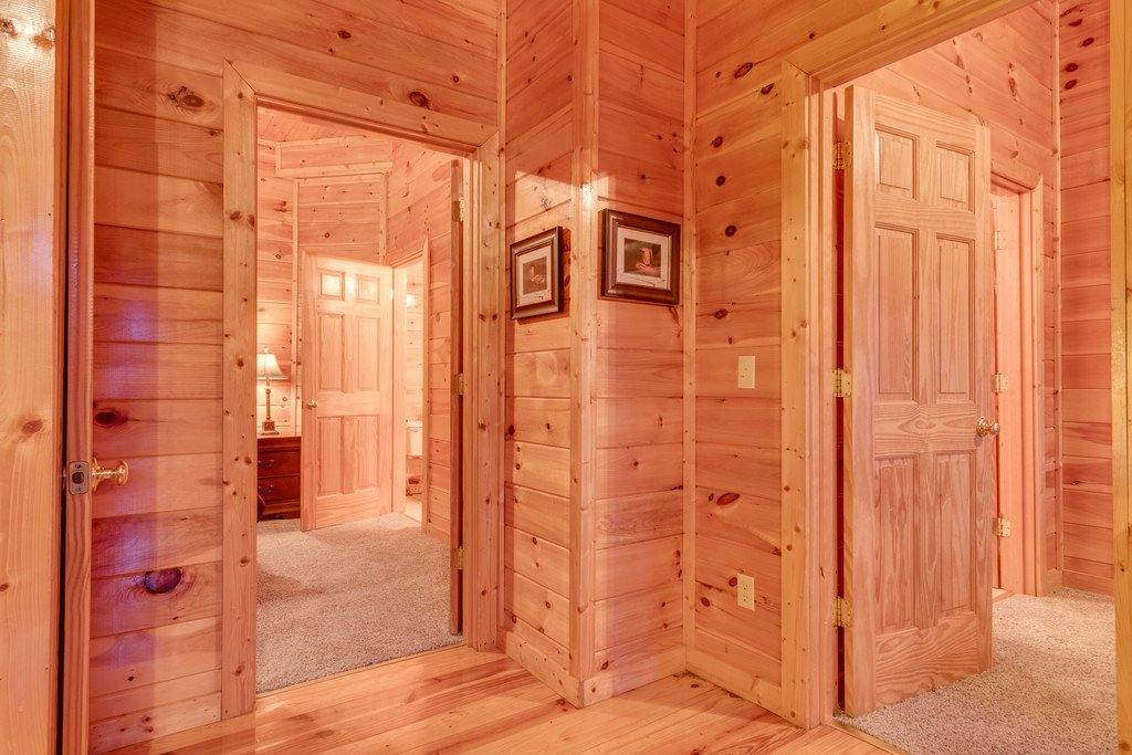 Photo of a Pigeon Forge Cabin named Lap Of Luxury - This is the thirty-fifth photo in the set.