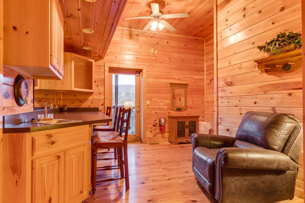 Photo of a Pigeon Forge Cabin named Lap Of Luxury - This is the thirty-fourth photo in the set.