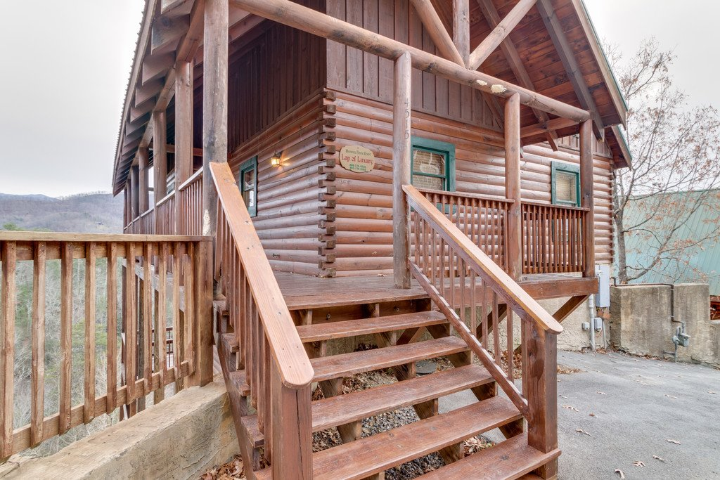 Photo of a Pigeon Forge Cabin named Lap Of Luxury - This is the fifty-fourth photo in the set.