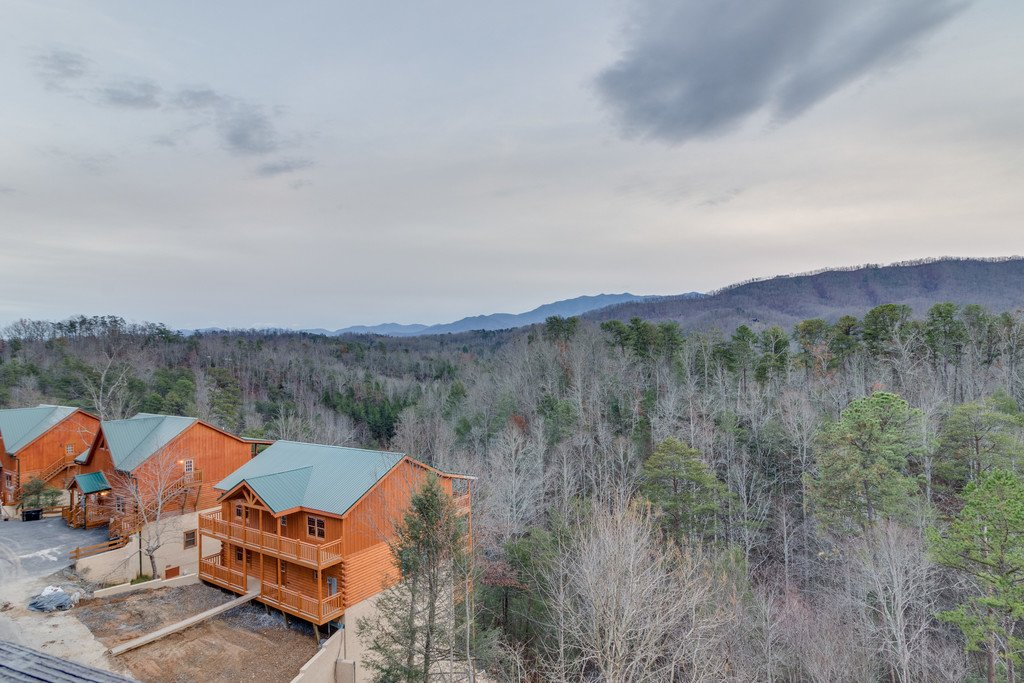 Photo of a Pigeon Forge Cabin named Lap Of Luxury - This is the sixty-second photo in the set.