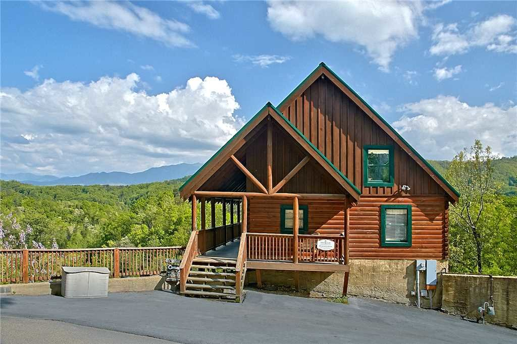 Photo of a Pigeon Forge Cabin named Lap Of Luxury - This is the sixty-seventh photo in the set.