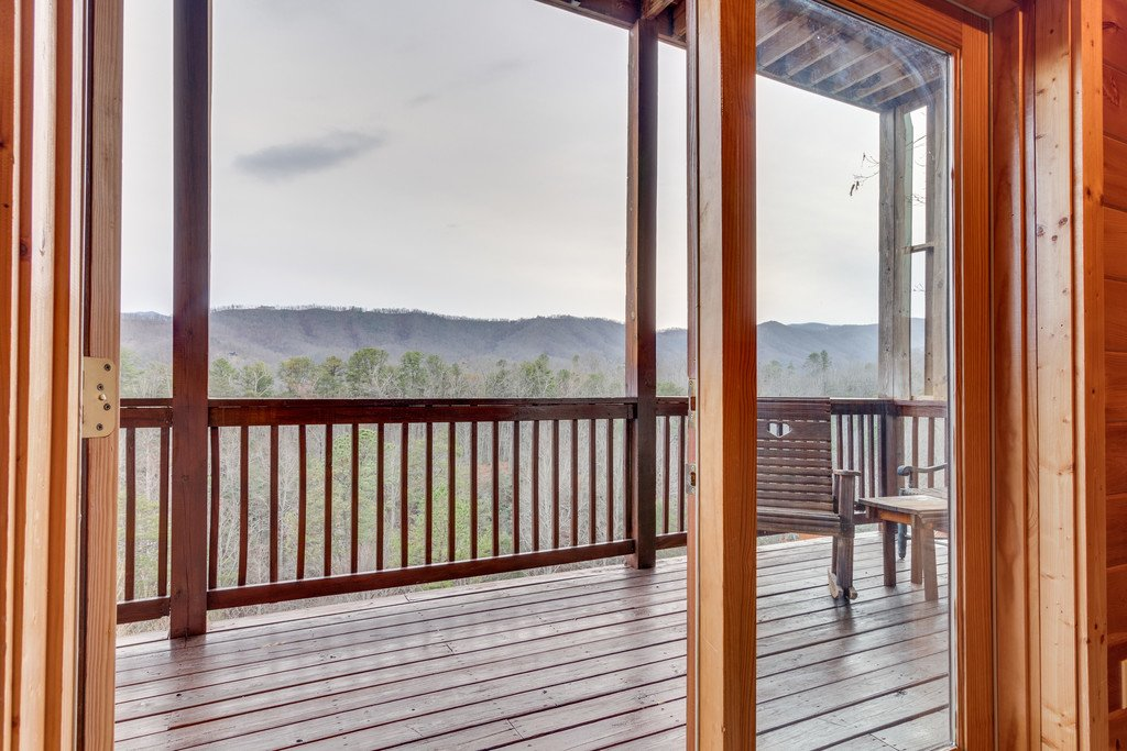 Photo of a Pigeon Forge Cabin named Lap Of Luxury - This is the forty-sixth photo in the set.