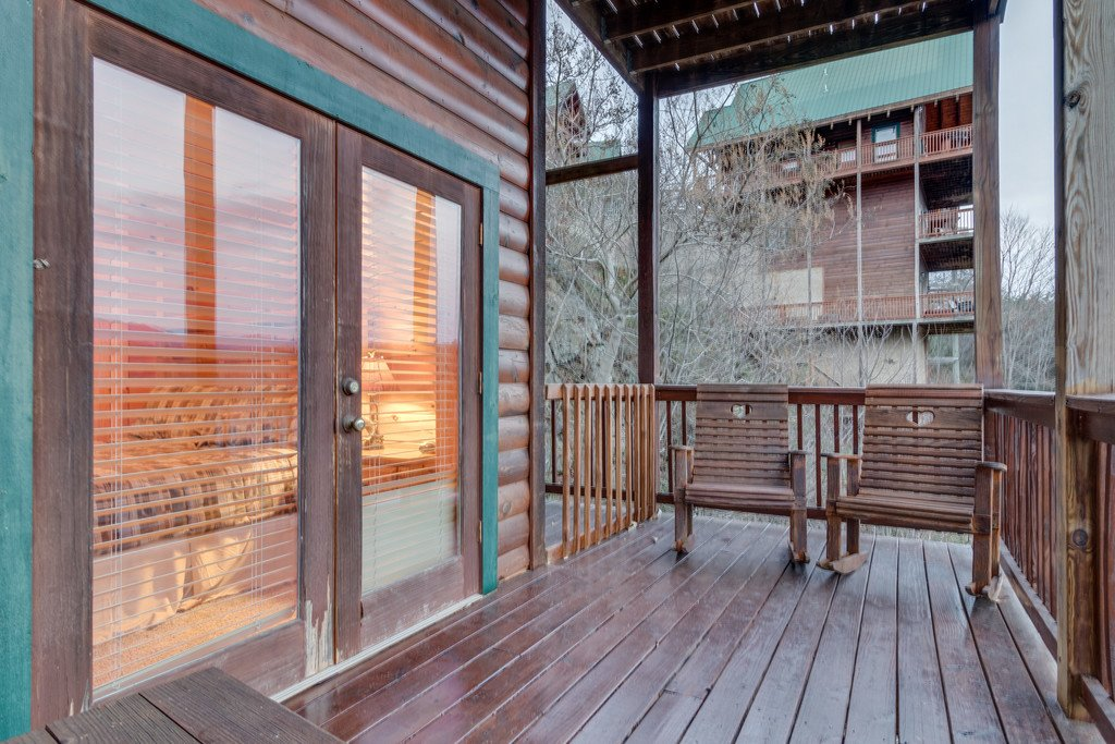 Photo of a Pigeon Forge Cabin named Lap Of Luxury - This is the forty-eighth photo in the set.
