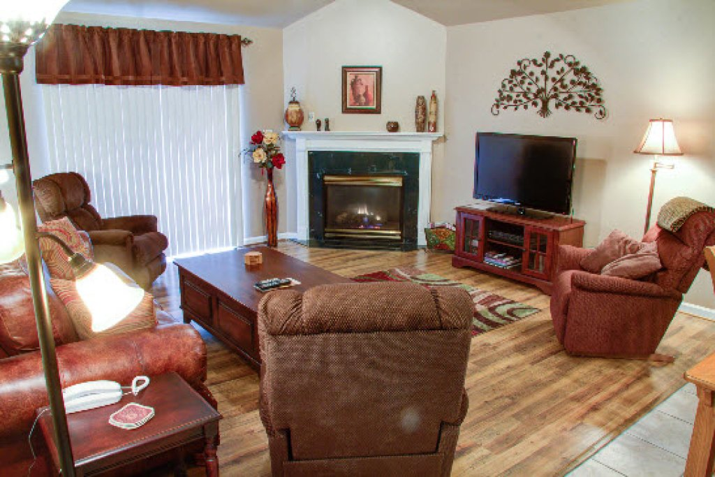 Photo of a Pigeon Forge Condo named Whispering Pines 652 - This is the second photo in the set.