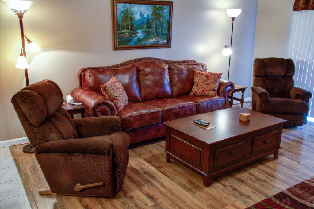 Photo of a Pigeon Forge Condo named Whispering Pines 652 - This is the third photo in the set.