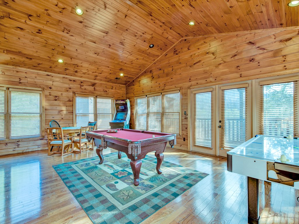 Photo of a Gatlinburg Cabin named Gatlinburg Majesty - This is the eighteenth photo in the set.