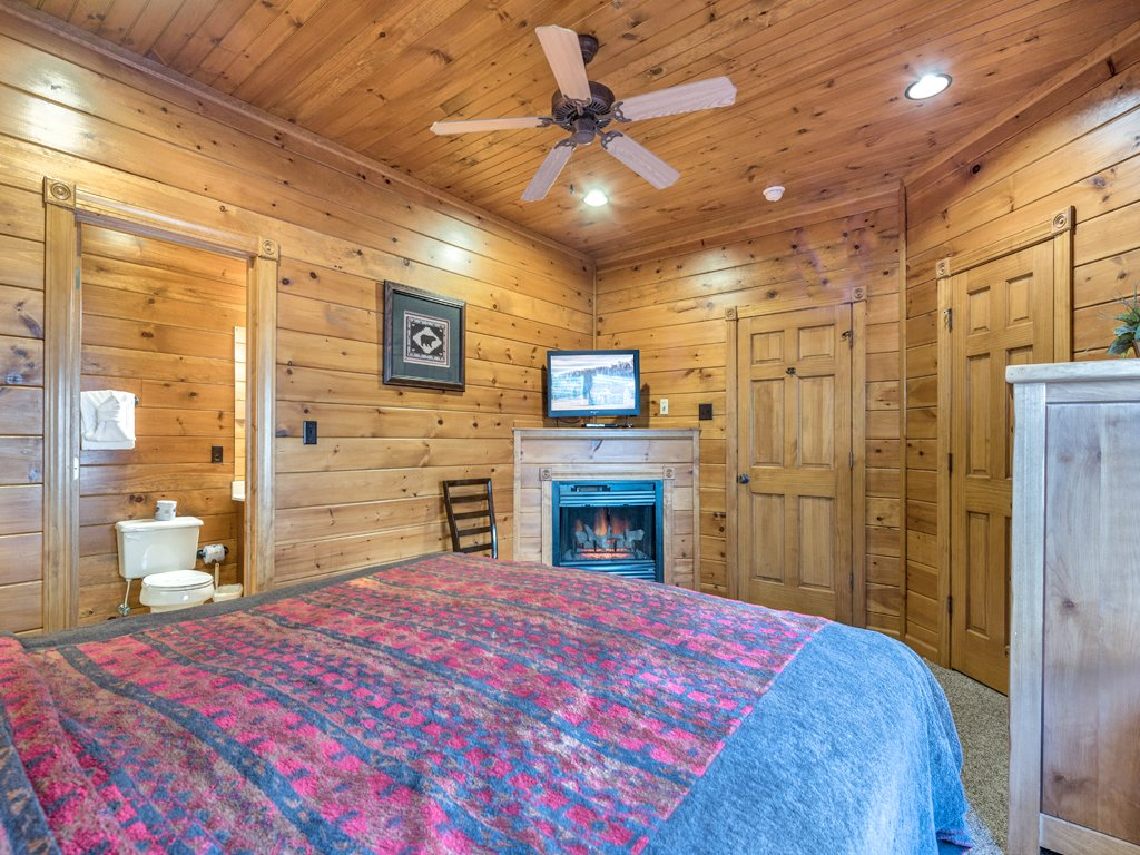 Photo of a Gatlinburg Cabin named Gatlinburg Majesty - This is the twenty-sixth photo in the set.
