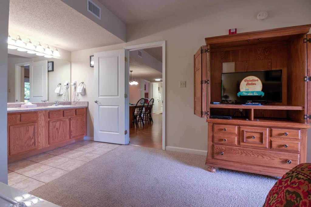 Photo of a Pigeon Forge Condo named Cedar Lodge 405 - This is the fourteenth photo in the set.