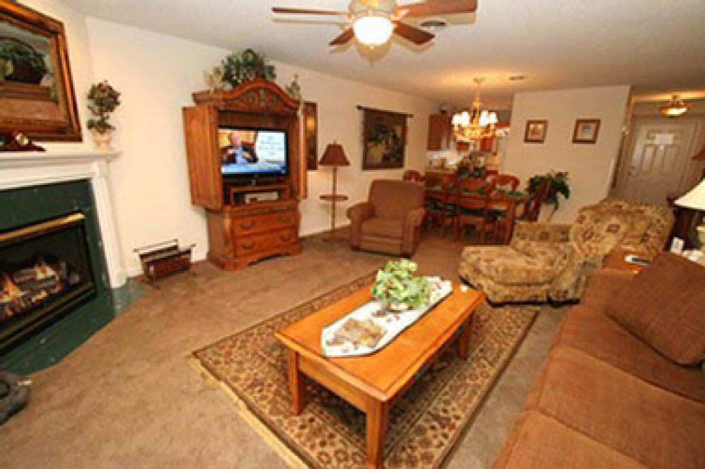 Photo of a Pigeon Forge Condo named Whispering Pines 553 - This is the second photo in the set.