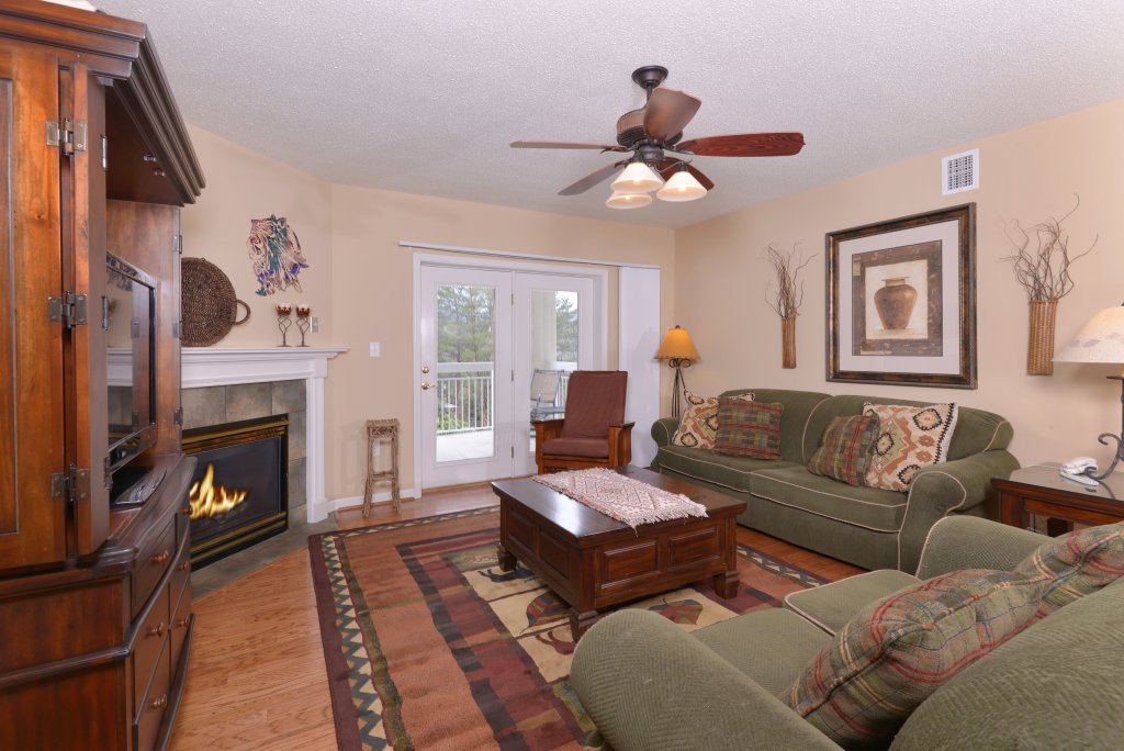 Photo of a Pigeon Forge Condo named Whispering Pines 613 - This is the third photo in the set.